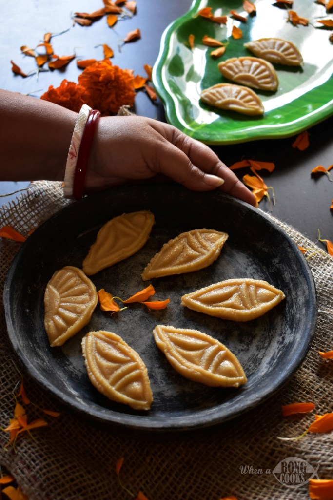 Khirer Sandesh (Bengali Reduced Milk Fudge) – A Traditional Bengali Sweet